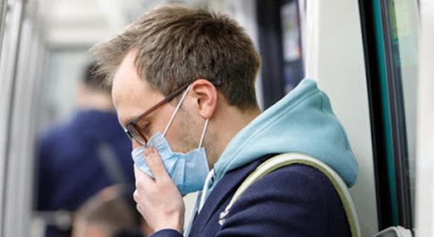 Effetto Covid, sempre più ipocondriaci: così la paura del contagio diventa ossessione. Che fare