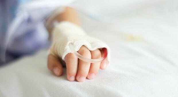Morta una bambina di 4 anni a Mentana, la mamma: «Ha accusato un malore dopo pranzo»
