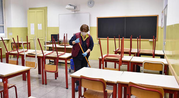 Covid-Fase 2, il piano per riaprire le scuole: turni, pochi alunni e sanificazione