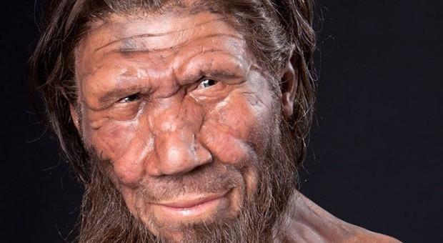 L'uomo preistorico ha imparato a sorridere per fare sesso: la scoperta in uno studio