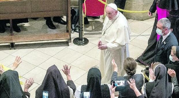 «Disonorato il nome di Dio», il Papa condanna l'antisemitismo, pesa il ricordo di un prete nazista