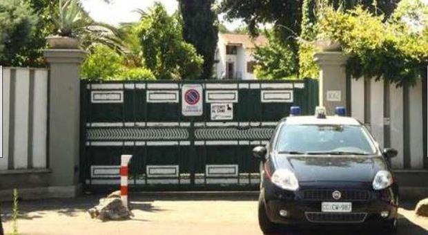Roma, uccise il ladro che entrò nella sua villa, il gip archivia: «E' stata legittima difesa»