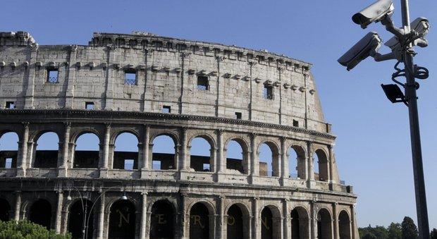 Colosseo, Raggi fa ricorso contro il decreto del governo. Franceschini: M5S blocca l'innovazione