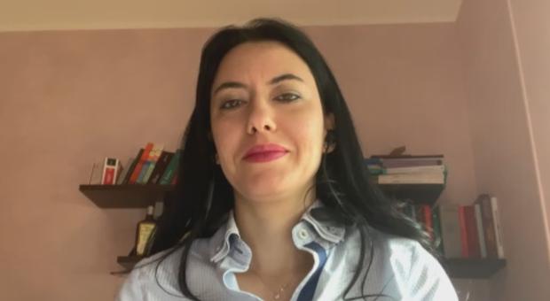 Azzolina: «A settembre si deve tornare a scuola: possibile didattica mista»