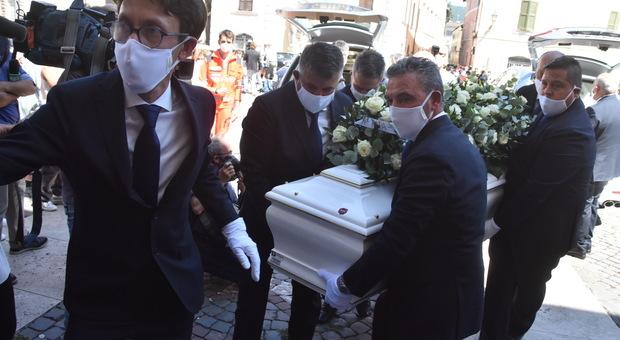 Flavio, l'ultimo saluto del fratello «Durante il lockdown soffriva la lontananza da Gianluca»
