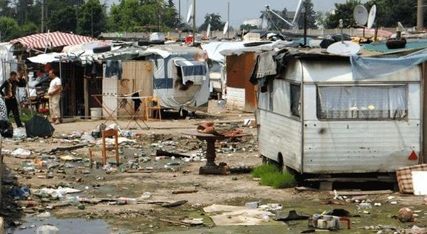 Campi rom, c'è la mappa: «Oltre 2mila senza nome abitano in 338 favelas»