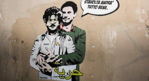 Regeni abbraccia Zaki: «Stavolta andrà tutto bene» Murale di Laika a Villa Ada