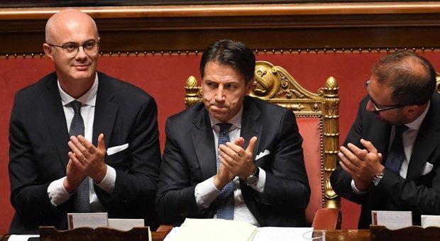 Conte bis, alle 18 fiducia in Senato. Salvini: «Voi minoranza del Paese, noi senza poltrone, ma a testa alta. No a legge elettorale-inciucio» Diretta