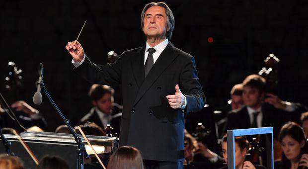 Il concerto Dedicato a Bergamo apre lo streaming gratuito della tournée del Maestro Muti con l'orchestra Cherubini