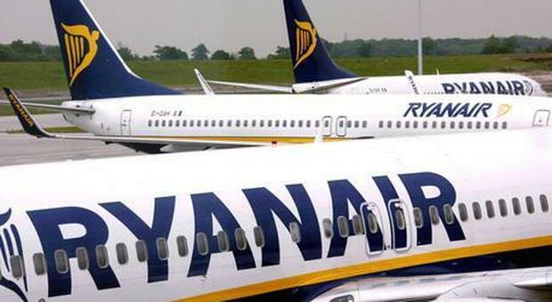 Ryanair, sospesa la tassa per il cambio volo. «Modifiche senza costi aggiuntivi fino a settembre»