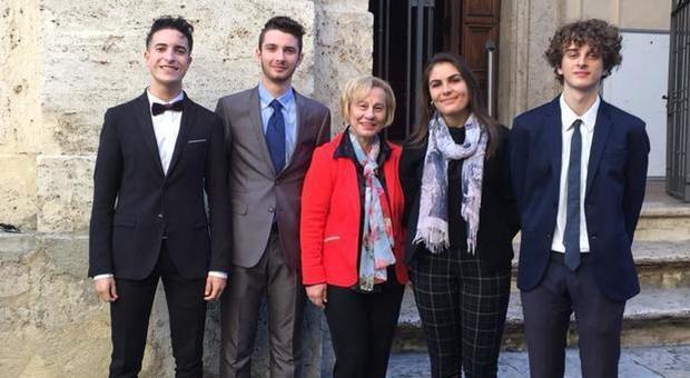 """Daniela Mariantoni, la dirigente del Rosatelli, insignita del premio """"Note di merito"""" dall'associazione nazionale dei presidi"""