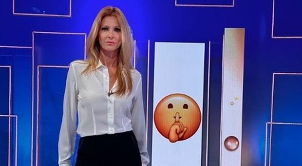 Adriana Volpe, il post furioso contro Giancarlo Magalli: «Non riuscirai a farmi stare zitta...»