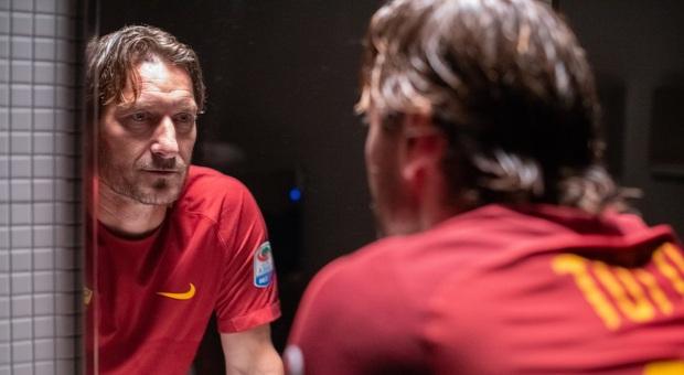 """""""Mi chiamo Francesco Totti"""": lunedì su Sky la prima del film sul Capitano"""