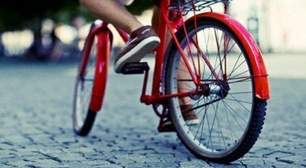 Toscana, 15enne ferrarese scompare e viene ritrovato a Pistoia: aveva attraversato l'intera regione in bicicletta