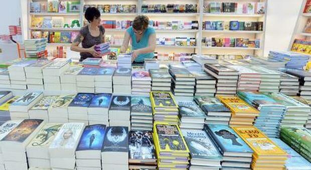 Bookinfluencer, il successo social in controtendenza: il libro la vera star