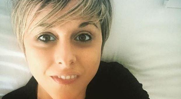 «Il cancro è un dono, tutti possono sconfiggerlo», bufera su Nadia Toffa per le frasi sui social