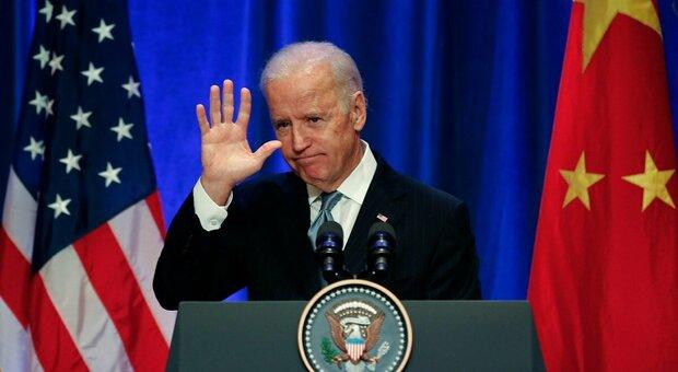 Biden, anche la Cina riconosce la vittoria. Trump insiste: «Scendo in piazza con i miei fan»