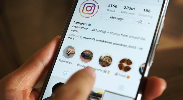 IInstagram nasconde il numero di like sui post, ecco perché il social network ha svoltato