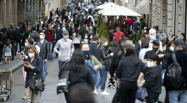 Roma, feste private in casa e in un bungalow: 46 persone multate