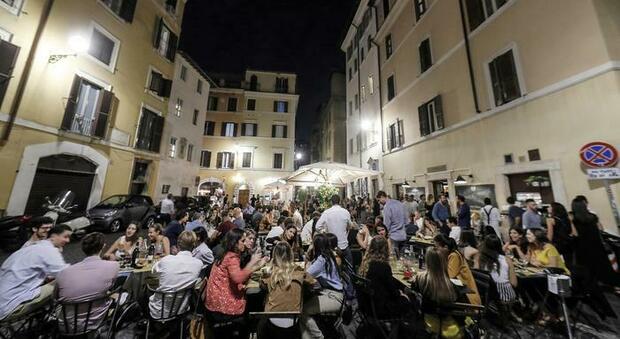 Roma, movida selvaggia: alcol a minorenni, chiusi 4 locali tra Salario e Fidene