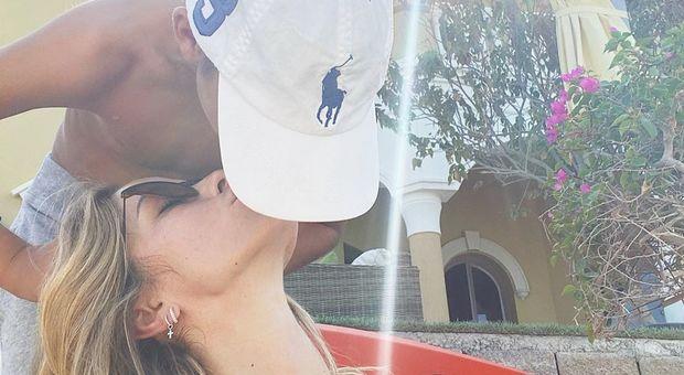Elena Santarelli, il tenero post col figlio Giacomo: «La nostra vacanza, io e te»