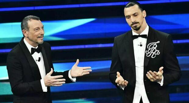 Sanremo 2021, Ibrahimovic sul palco dell'Ariston: «Normalmente mi sento grande, ma qui sono piccolo»