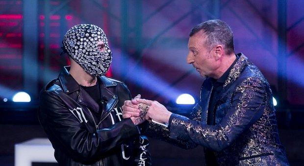 Junior Cally tra alcol e condanne per furto: chi è il rapper che rischia l'espulsione da Sanremo 2020