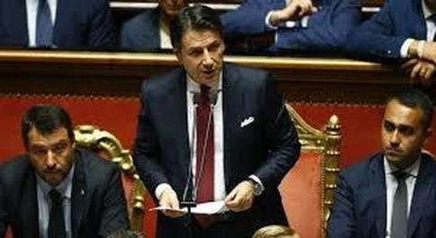 Coronavirus, Salvini: «Ci serve l'aiuto di Draghi». Renzi: «Commissione d'inchiesta»