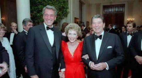Rock Hudson prima di morire chiese aiuto all'amico Reagan: «Salvami». Ma Nancy disse no
