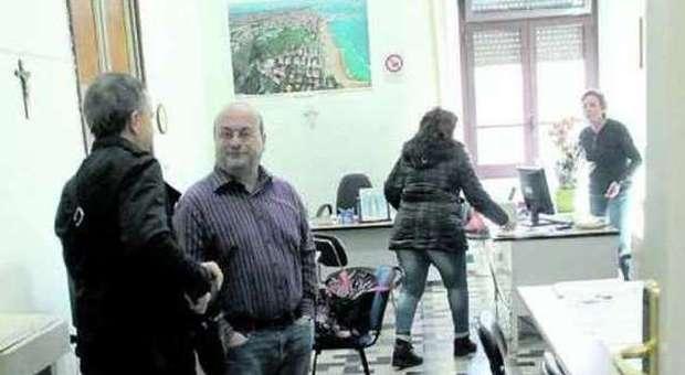 Pescara lavoro in cambio di voti consigliere indagato si for Scuola di moda pescara