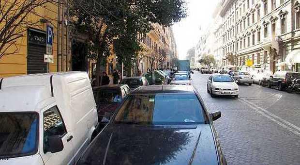 «Danno morale per le vittime della doppia fila»: automobilista indisciplinato condannato al risarcimento