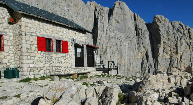 Covid, 7 positivi in un rifugio montano in Valle Brembana: 56 persone in quarantena