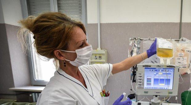 Roma, trapianto su un bimbo positivo: usato il plasma di un ex malato