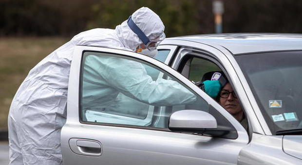 Frenata del virus in Toscana: 196 nuovi casi, mai così pochi, e 13 morti in più. I contagi arrivano a 4.608