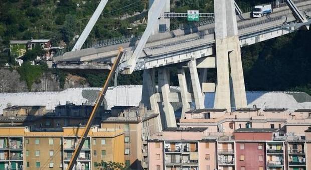 Ponte Morandi, Autostrade: «Obblighi rispettati». Toninelli: «Affermazione indecente»