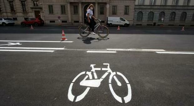 Ciclista di 85 anni muore investito da un pirata della strada in provincia di Cremona