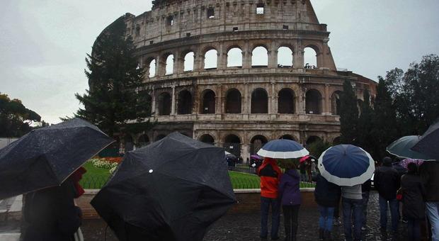 Meteo, le previsioni del weekend: pioggia a Roma e Napoli, allerta maltempo al Nord