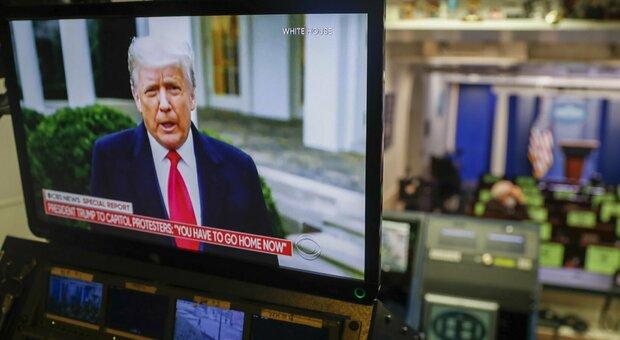 Donald Trump, risoluzione dem per l'impeachment: «Ha messo in pericolo gli Usa»
