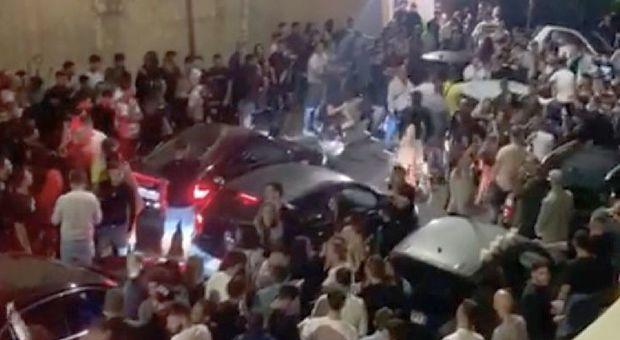 Roma tra risse e alcol, movida fuori controllo: rischio contagio da Trastevere a Ponte Milvio