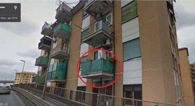 Da Questo Balcone Si Può Prendere L Autobus Al Volo Ecco
