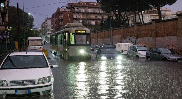 Allerta meteo, a Roma previsti temporali e forti raffiche di vento per le prossime ore