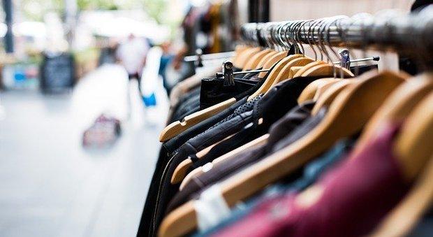 Amazon lancia una settimana di offerte e sconti: dall'abbigliamento all'hitech