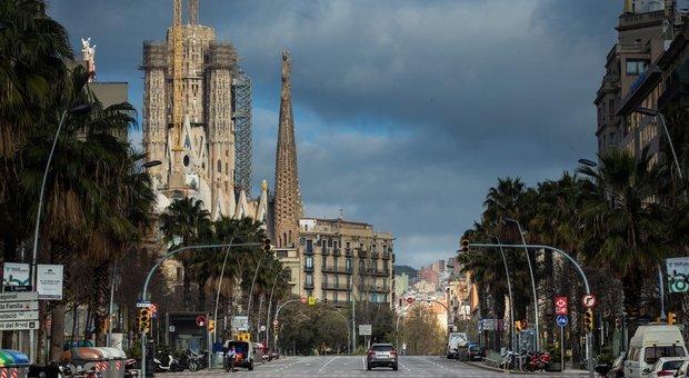 Barcellona deserta: sullo sfondo la Sagrada Familia