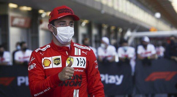 F1, Leclerc in pole a Baku davanti ad Hamilton e Verstappen: «Ma in gara sarà dura»