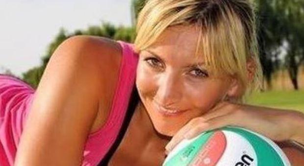 Funerale di Sara Anzanello, il fidanzato legge la lettera-testamento della pallavolista