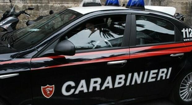Ferrara, lite tra donne finisce nel sangue: stacca un dito con un morso e se lo mangia