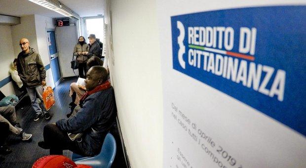 Reddito, a Ostia spunta il boss Spada nelle liste del Caf per il sussidio