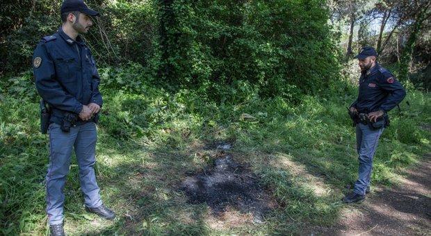 Roma, donna carbonizzata al parco dell'Eur: la polizia ascolta parenti e testimoni