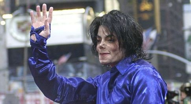 «Michael Jackson mi violentò», il documentario sugli abusi sessuali stasera sul Nove