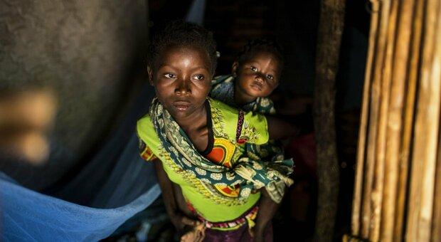 «Bambini decapitati in Mozambico», la denuncia di Save the Children: i racconti choc delle mamme